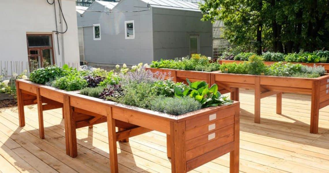 Jardiniere sur pied : les 5 meilleures jardinières pas chères